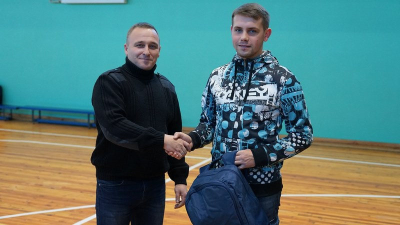 У футболистов добропольского футбольного клуба «Спарта» теперь новая зимняя и летняя форма! + ФОТО