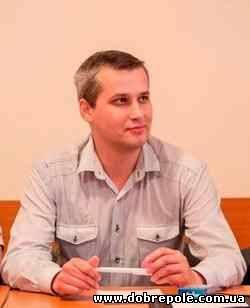 В Енакиево известный бандит среди бела дня избил журналиста