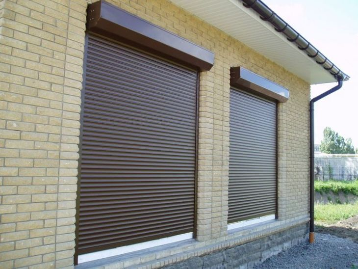 Продажа и монтаж пластиковых окон и дверей, защитных роллет, подоконников, отливов, москитных сеток